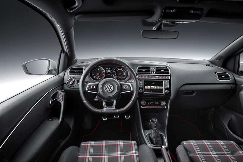 Foto Salpicadero Volkswagen Polo Gti Dos Volumenes 2014