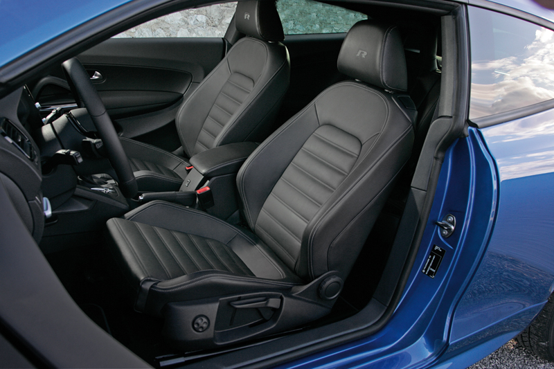 Foto Interiores Volkswagen Scirocco R Cupe 2010