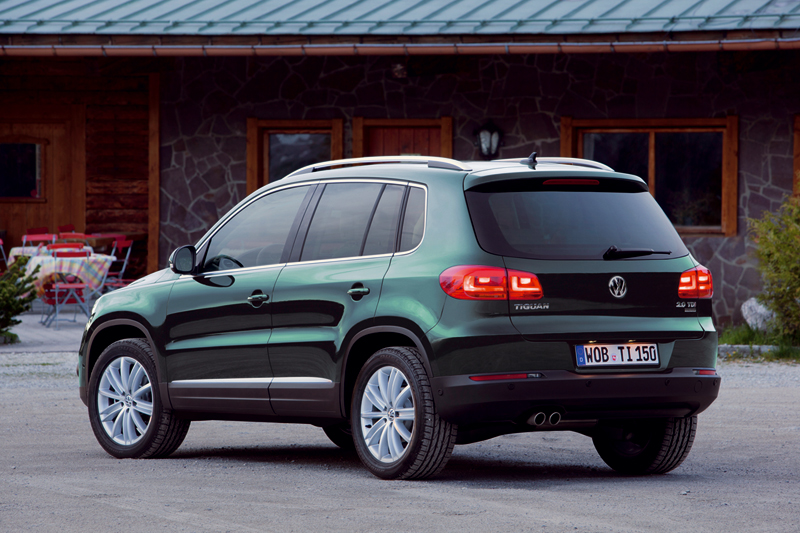 Foto Trasera Volkswagen Tiguan Suv Todocamino 2012