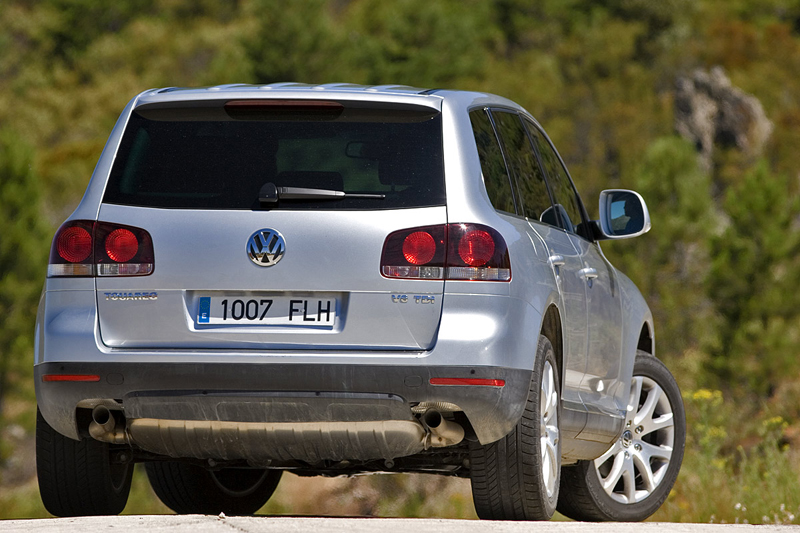 Foto Trasero Volkswagen Touareg Suv Todocamino 2008