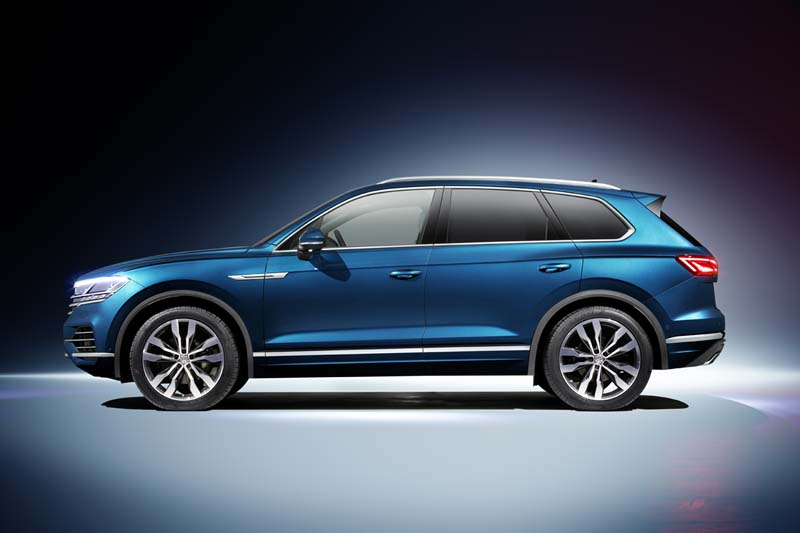 Volkswagen Touareg 2018, foto lateral