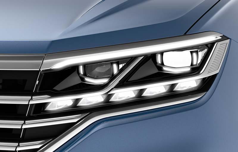 Volkswagen Touareg 2018, foto faros delanteros