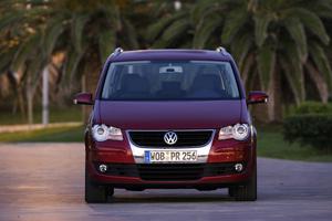 Foto Frontal Volkswagen Touran Monovolumen 2007