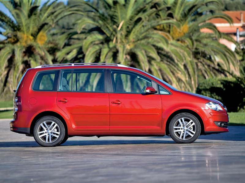 Foto Perfil Volkswagen Touran Monovolumen 2007