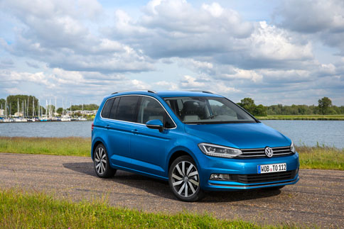 Foto Exteriores (12) Volkswagen Touran Monovolumen 2015