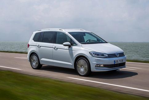 Foto Exteriores (16) Volkswagen Touran Monovolumen 2015