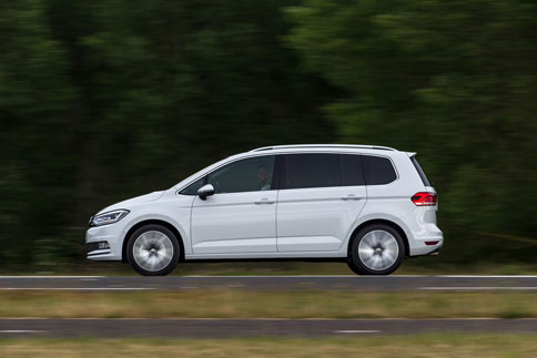 Foto Exteriores (4) Volkswagen Touran Monovolumen 2015