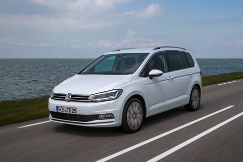 Foto Exteriores (5) Volkswagen Touran Monovolumen 2015