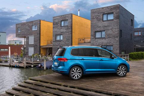 Foto Exteriores (6) Volkswagen Touran Monovolumen 2015