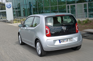Foto Exteriores_19 Volkswagen Up Dos Volumenes 2011