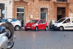 Foto Exteriores_40 Volkswagen Up Dos Volumenes 2011