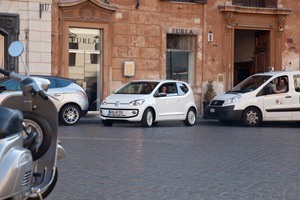 Foto Exteriores_41 Volkswagen Up Dos Volumenes 2011