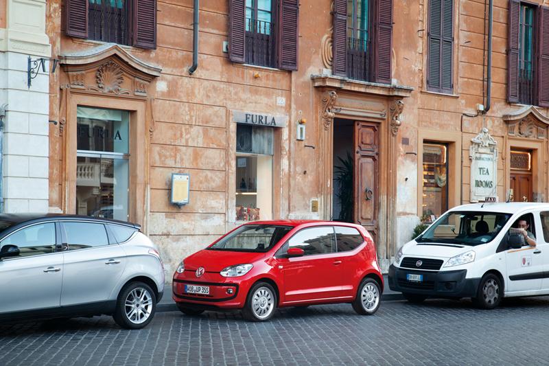 Foto Exteriores_39 Volkswagen Up Dos Volumenes 2011