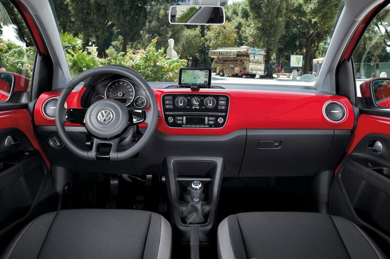 Foto Interiores_05 Volkswagen Up Dos Volumenes 2011