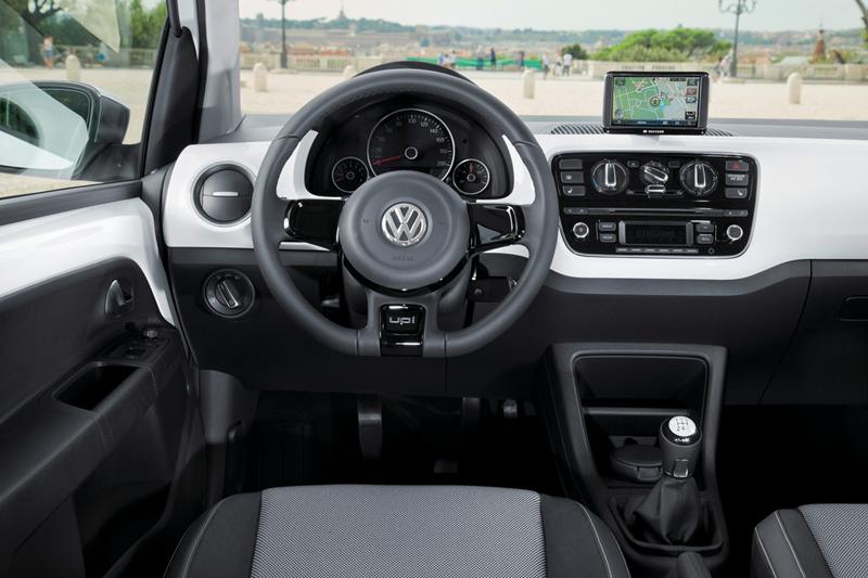 Foto Interiores_08 Volkswagen Up Dos Volumenes 2011