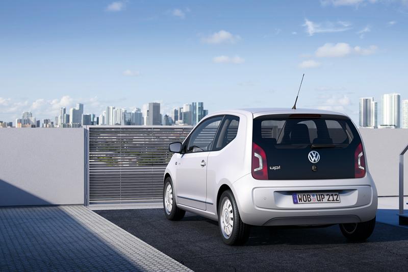 Foto Trasera Volkswagen Up Dos Volumenes 2011