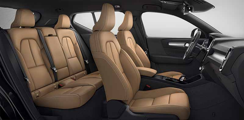 Asientos delanteros y traseros Volvo XC40