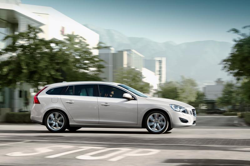 Foto Perfil Volvo V60 Familiar 2010