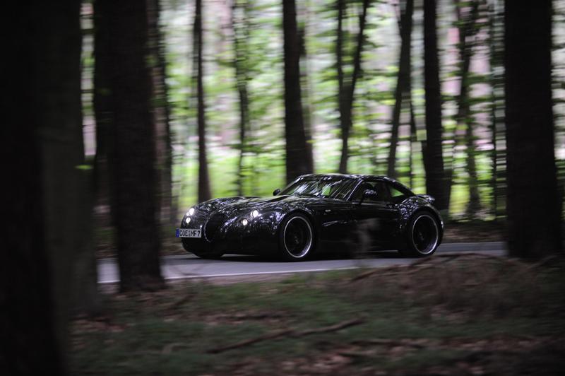 Koenigsegg vs. Wiesmann o perfección frente a artesanía