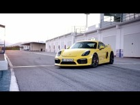 Nuevo Porsche Cayman GT4: héroe con motor central