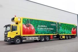 Alimerka incorpora a sus filas un Scania GNL de 13 litros como camión remolcador