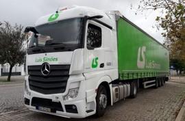 Luis Simões renueva su confianza en la estrella sumando a su flota 60 nuevas unidades del Mercedes-Benz Actros
