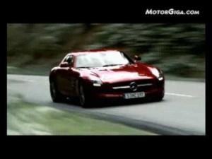 """Mercedes SLS """"Alas de gaviota"""" en movimiento"""