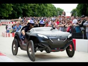 Stéphane Peterhansel se estrena al volante de un Peugeot 2008 DKR muy especial