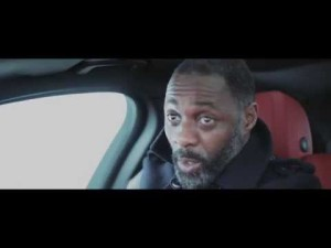El actor británico Idris Elba viaja de Londres a Berlín en el Jaguar XE