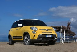 FIAT 500L Trekking Lite y 500L Living Pop Star