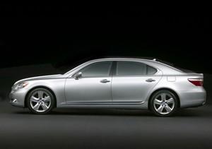 Lexus LS 600h 2012