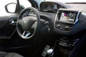 Peugeot 208, análisis plazas delanteras