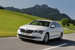 Skoda Superb Combi 2015, un familiar de referencia