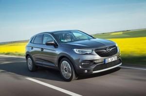 El Opel Grandland X estrena un racional motor diesel de 1.5 litros y 130 CV