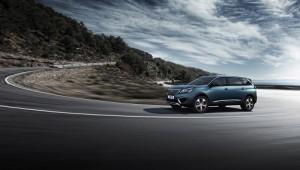 Nuevo Peugeot 5008. Di adiós al monovolumen y hola a este crossover