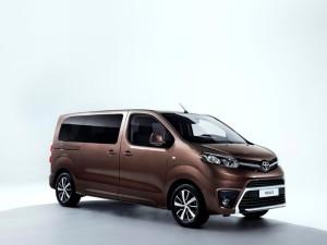 Toyota entrega las primeras unidades del Proace Verso