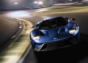 El nuevo Ford GT se desmelena… hasta los 348km/h!