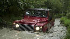 Finalmente no llegará el resurgir del mítico Land Rover Defender, como se rumoreaba