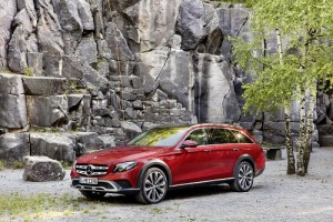 Mercedes-Benz Clase E All-Terrain, la estrella ya tiene su familiar campero