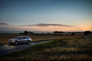 Conocemos las tarifas del interesante Volvo V90 Cross Country