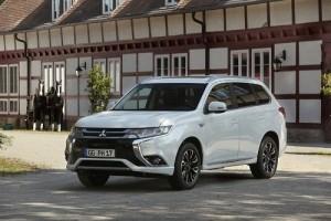 Mitsubishi Outlander PHEV 2017, pequeños cambios para el híbrido enchufable