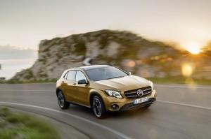 Mercedes-Benz GLA 2017: lavado de cara para el benjamín de los SUV Mercedes