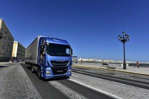 Ventas de camiones: el mercado cierra febrero bajando un 2% mientras IVECO afianza su liderazgo