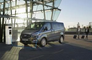 Ford Tourneo Custom PHEV, hasta 50 km de autonomía 100% eléctrica