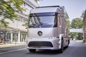 Mercedes-Benz Urban eTruck; las preseries del cami�n el�ctrico ya est�n en uso en diversas empresas
