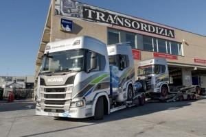 El primer vehículo portacamiones a gas de Europa es este Scania R de Transordizia