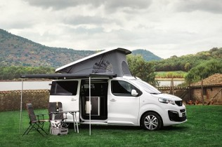 Peugeot Traveller y Peugeot Rifter by Tinkervan; ¡al campo con total comodidad!