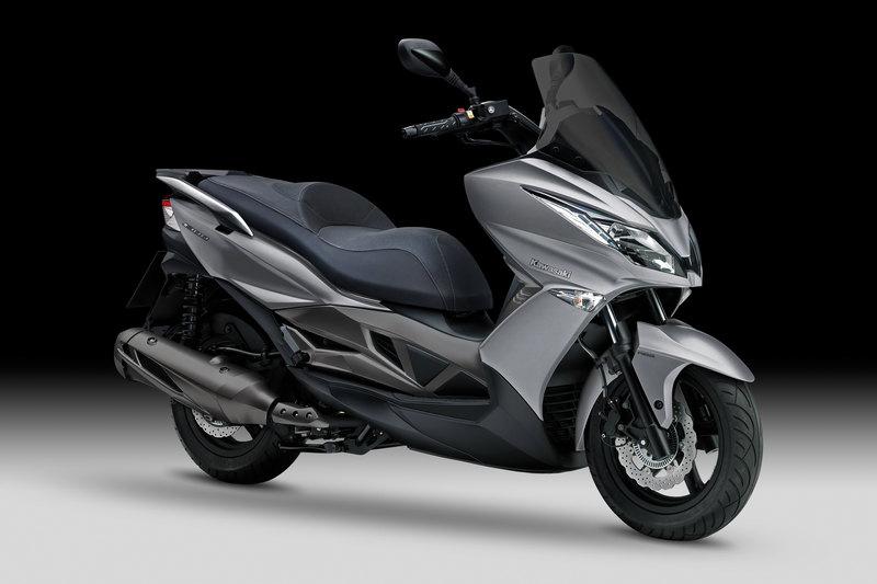 Foto Kawasaki J 300 2014 Frontal Derecho 17