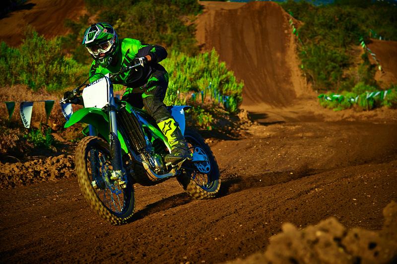 Foto Kawasaki KX450F 2015 Dinamica 42