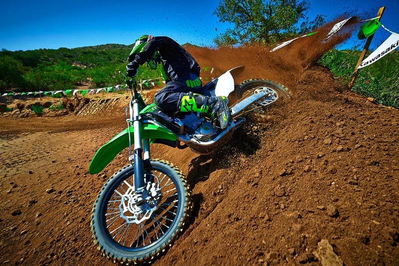 Foto Kawasaki KX450F 2015 Dinamica 43